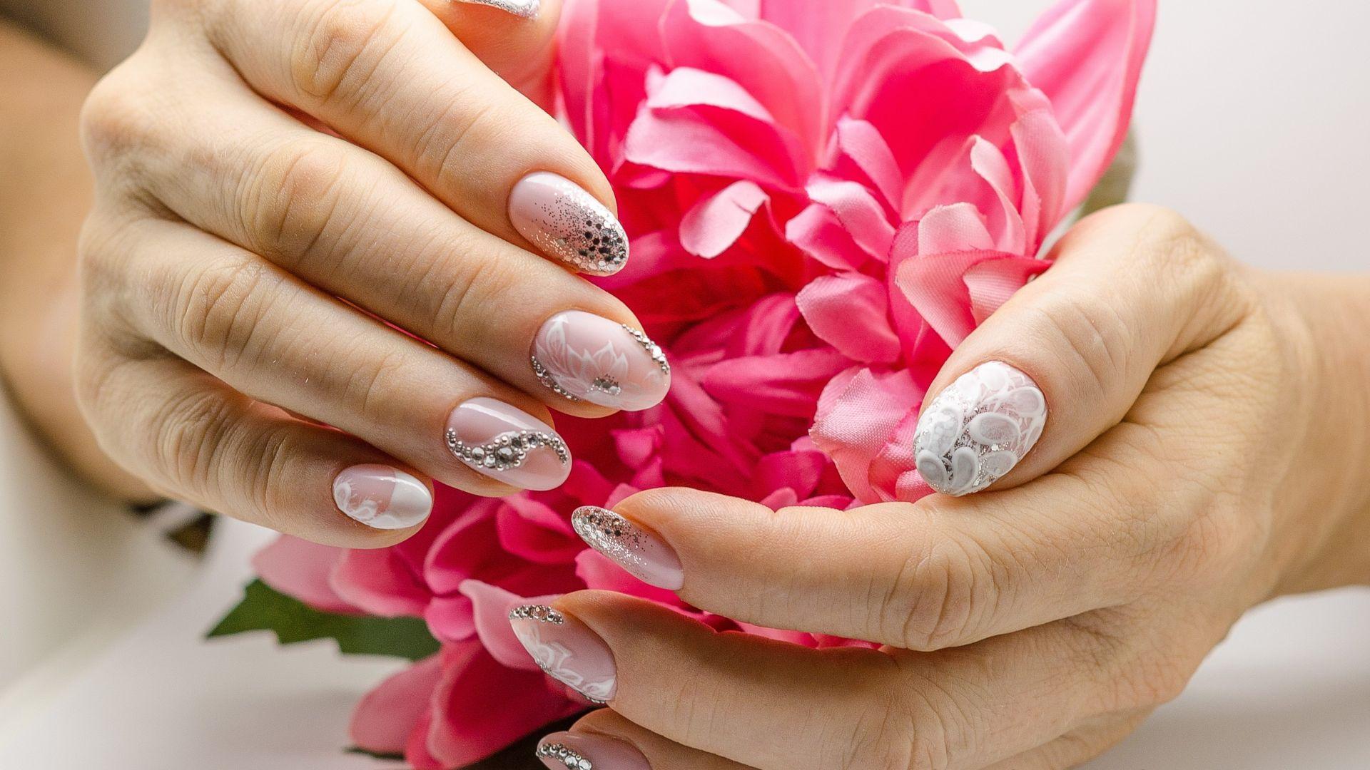 Wedding nails (nude)