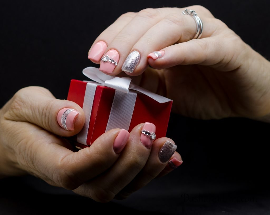 Square short pink nails with glitter