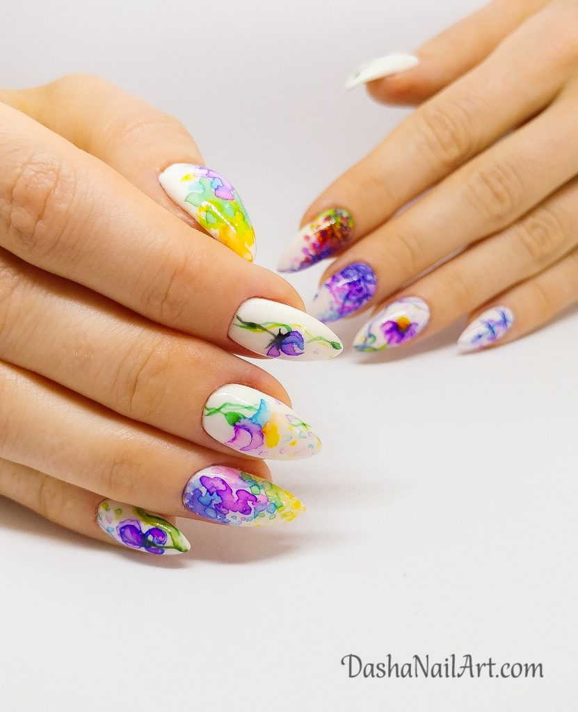 Watercolor summer hand drawn flowers nails
