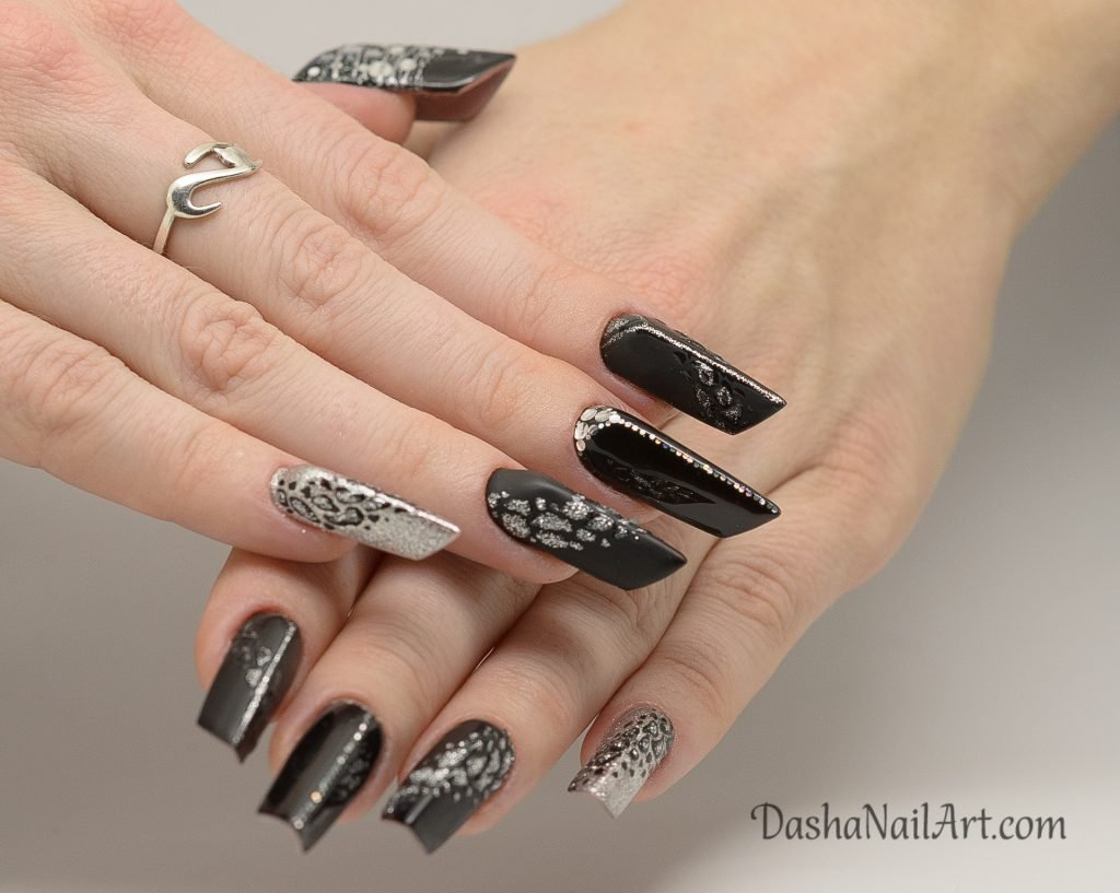 Edge black nails with leopard print