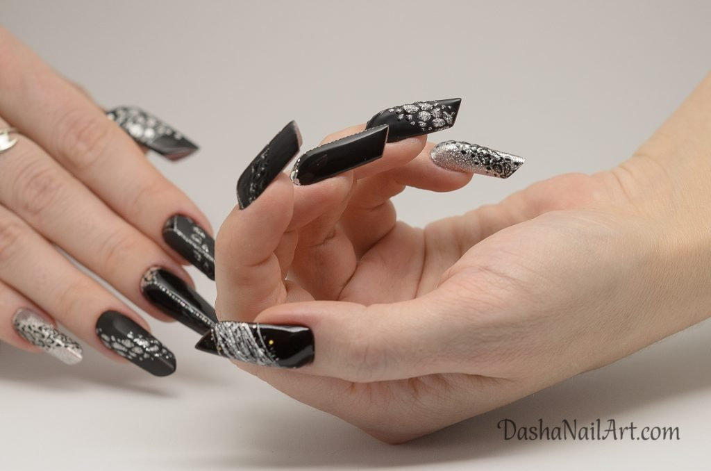 Edge black nails with leopard print, silver and glitters