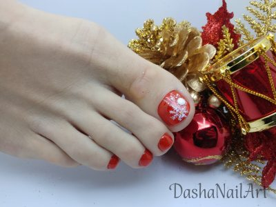 Red Christmas snowflake pedicure toes