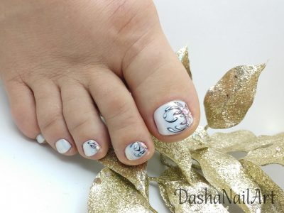 Mermaid chrome toes pedicure patterns with diamonds