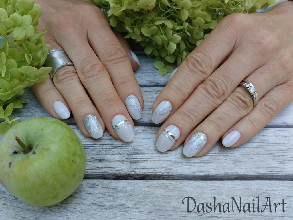 Elegant Milky white short nails with silver rings