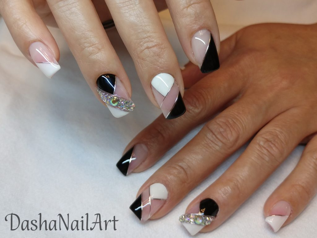 Royal black & white nails