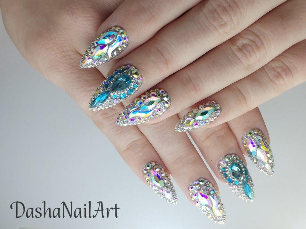 Diamond blink nails