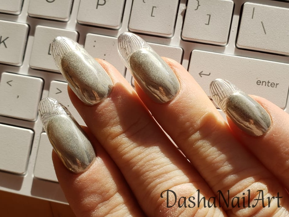 Metallic transparent french tips nails + stamping