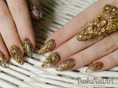 Indian henna nails, gold patterns, hand drawing, hand made ring