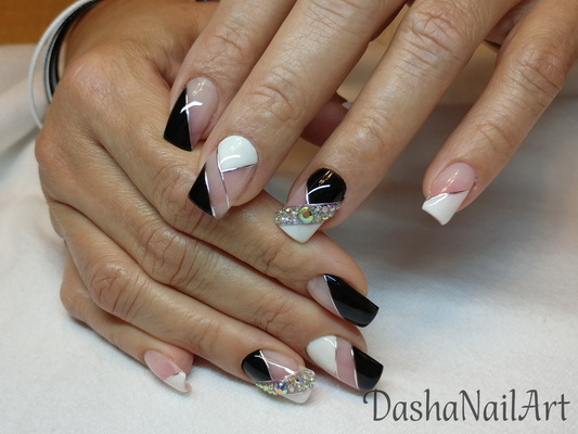 Classic black and white nails