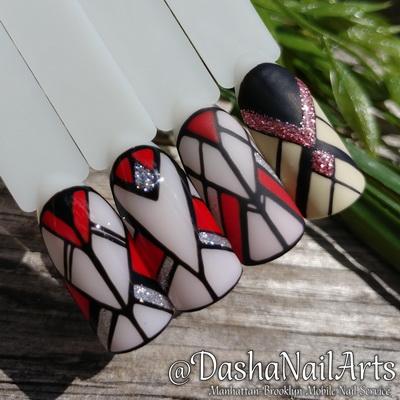 Geometric nail art on tips