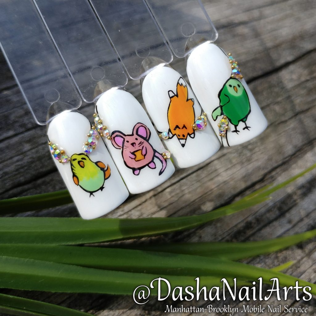 Nails with mouse, fox, parrot, birds