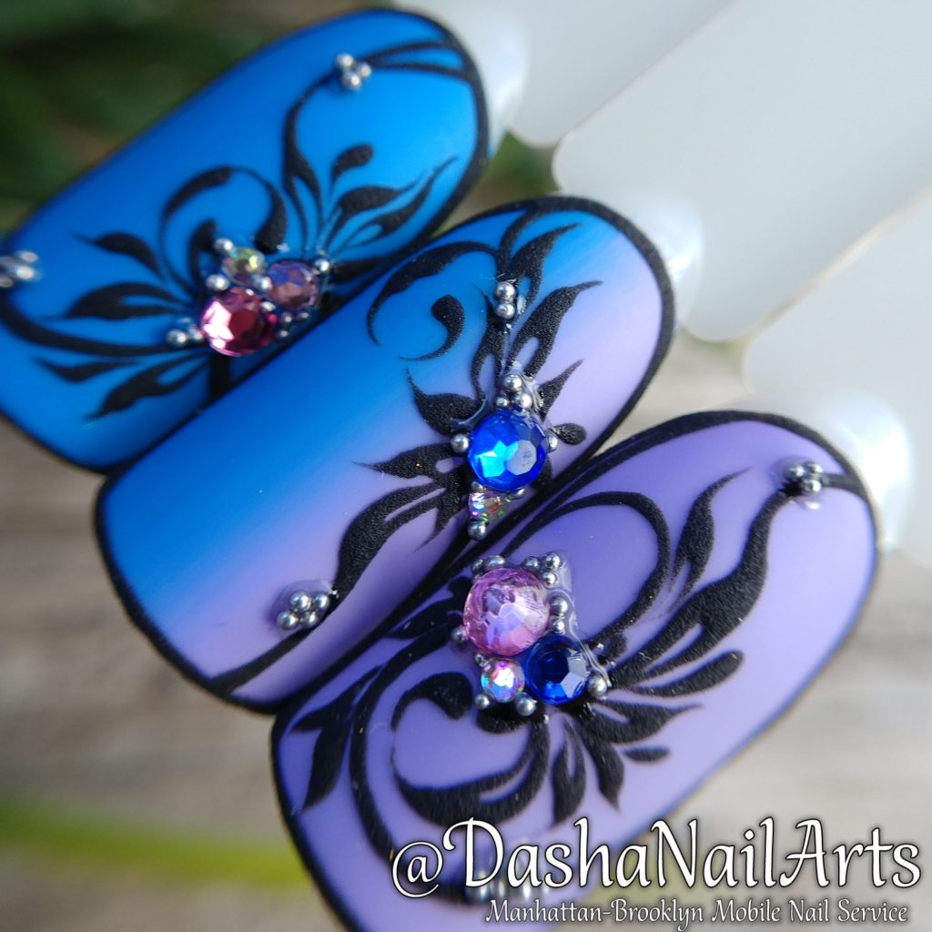 Blue - purple Ombre 3D nails with flower patterns