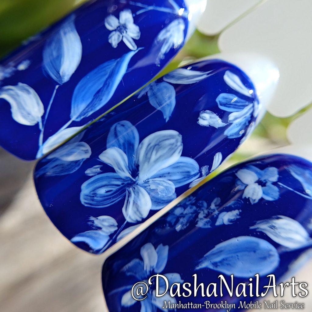 Gzhel flower pattern nails