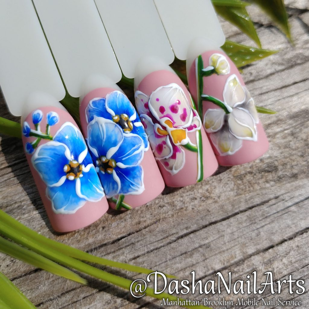 Forget-me-not flower and orchid flower nails